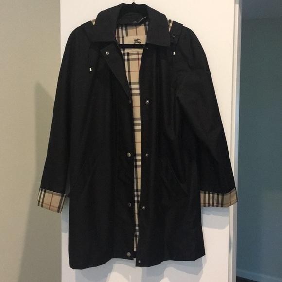 82be6177c17c Burberry Jackets   Blazers - Authentic women s BURBERRY rain jacket!
